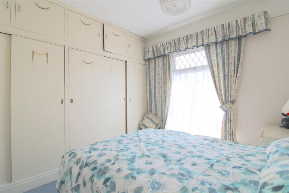 Another aspect of bedroom 2