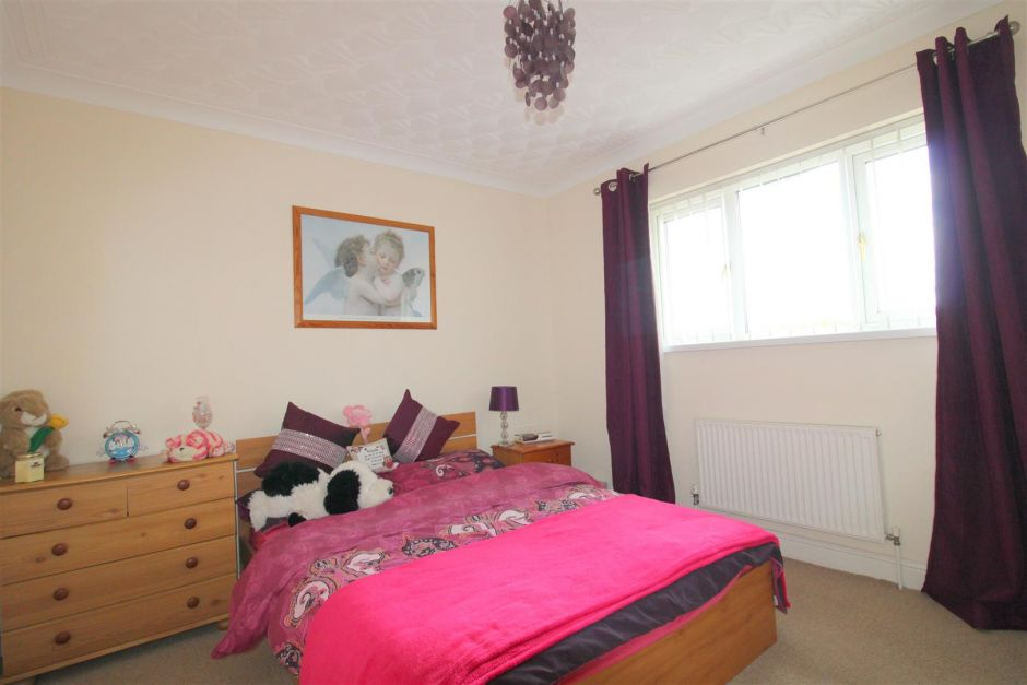 Another aspect of bedroom 3